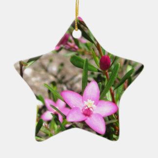 かわいらしいピンクの花 セラミックオーナメント