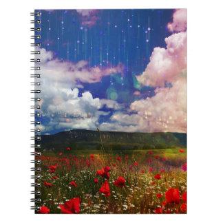 かわいらしいファンタジーの景色のケシ分野のノート ノートブック