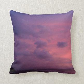 かわいらしい枕家旅行紫色の空 クッション