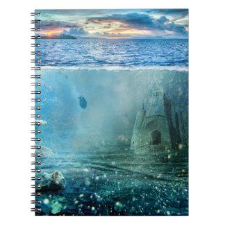 かわいらしい海のアトランティスの水中ファンタジーの城 ノートブック