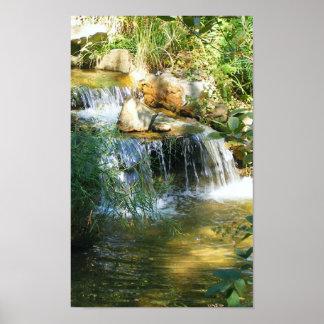 かわいらしい滝 ポスター