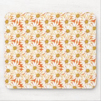 かわいらしい白いデイジーの花柄パターン マウスパッド