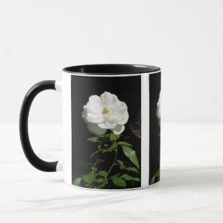 かわいらしい白いバラ マグカップ