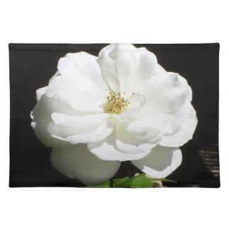 かわいらしい白いバラ ランチョンマット