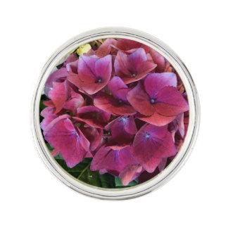 かわいらしい紫色のアジサイのラペルピン ラペルピン
