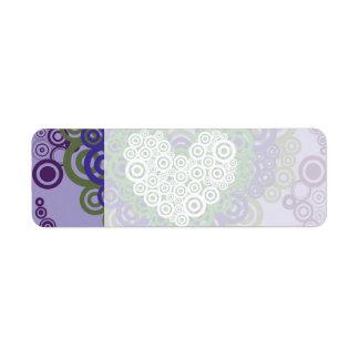 かわいらしい紫色の緑のハートおよび円パターン ラベル