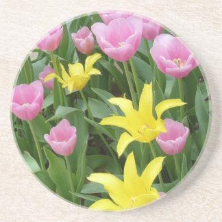 かわいらしい花のコースター コースター
