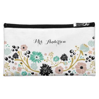 かわいらしい花束の花の結婚式の化粧品のバッグの赤面