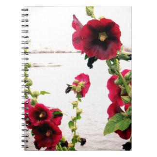 かわいらしいHollyhockの花柄 ノートブック