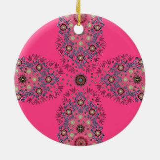 かわいらしく明るいピンクの庶民的な宝石のオーナメント セラミックオーナメント