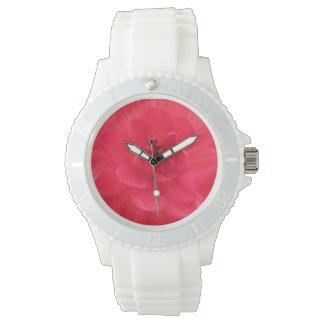 かわいらしく赤いダリア 腕時計