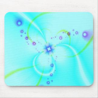 かわいらしく青い花 マウスパッド