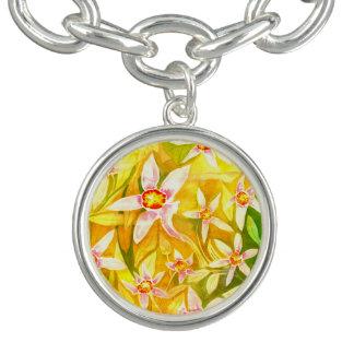 かわいらしく黄色い花の水彩画のチャームブレスレット チャームブレスレット