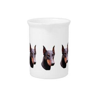 かわいらしく黒い(犬)ドーベルマン・ピンシェルの顔の水差し ピッチャー