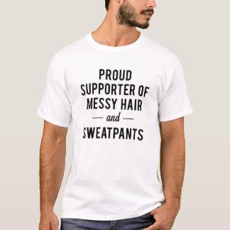 きたない毛およびSweatypantsの誇りを持ったなサポータ Tシャツ