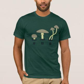 きのこ(食糧、毒、高い) Tシャツ