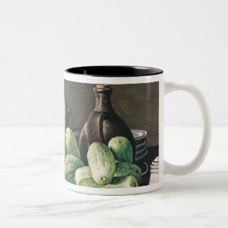 きゅうりおよびトマトが付いている静物画 ツートーンマグカップ