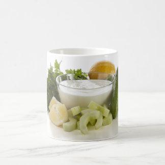 きゅうりのヨーグルトスープマグのための原料 コーヒーマグカップ