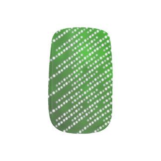 きらめくなライトネイルのデザインの緑 ネイルアート
