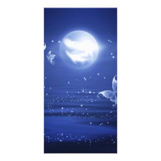 きらめくな蝶ルナガは月の光によって飛びます カード