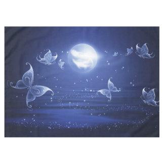 きらめくな蝶ルナガは月の光によって飛びます テーブルクロス