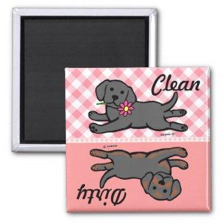 きれいな/汚れたラブラドルの黒い子犬 冷蔵庫マグネット