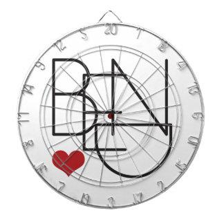 くねりのオレゴンの単語のハートのロゴ ダーツボード