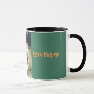 くま抱擁マグ マグカップ