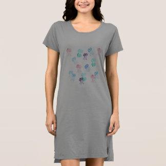 くらげの女性のTシャツの服 ドレス