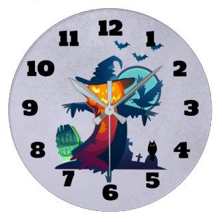 こうもりカラスおよびフクロウが付いているハロウィンのかかし ラージ壁時計