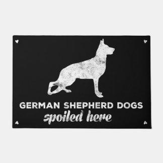 ここにだめになるジャーマン・シェパード犬 ドアマット