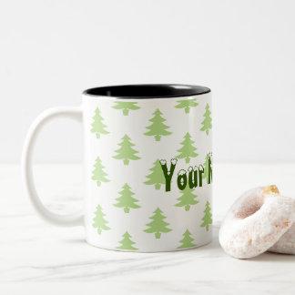 ここのクリスマスツリーおよびあなたの名前 ツートーンマグカップ