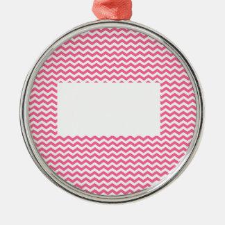 このピンクのシェブロンに文字かイメージを加えて下さい メタルオーナメント