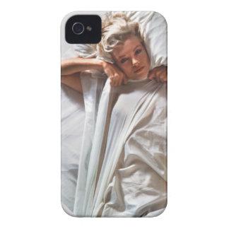 この上品な電話カバーを使用し、日刊新聞楽しんで下さい Case-Mate iPhone 4 ケース