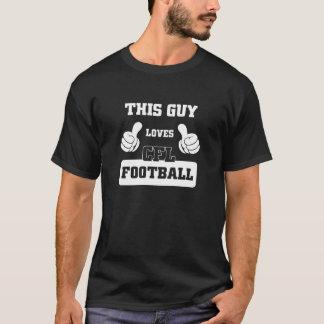 この人はCFLのフットボールを愛します Tシャツ