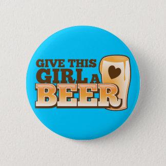 この女の子にビール店からのビールデザインを与えて下さい 缶バッジ