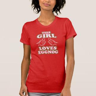 この女の子はエッグノッグを愛します Tシャツ