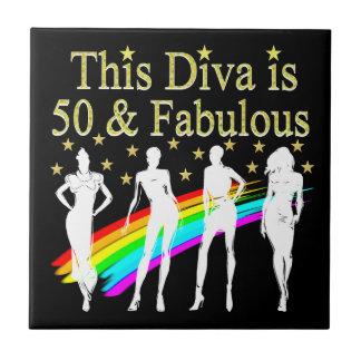 この花型女性歌手は50才およびすばらしい第50誕生日です タイル