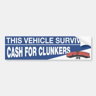 この車はぽんこつのための現金を生き延びました バンパーステッカー