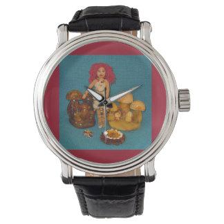 こはく色の妖精の国の人形 腕時計