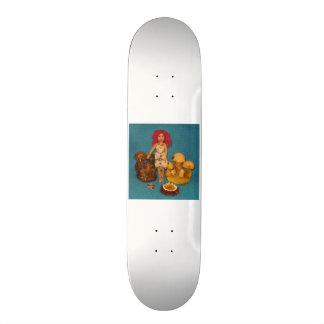 こはく色の妖精の国の人形 21.6CM オールドスクールスケートボードデッキ