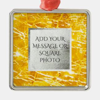 こはく色の罅割れたガラス写真 メタルオーナメント