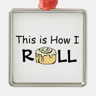 これは私が漫画のシナモンロールのおもしろいなパンをいかに転がるかです メタルオーナメント