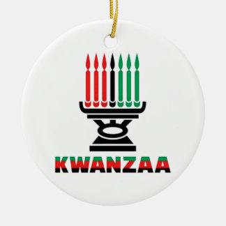 これはKwanzaa Kwanzaaの休日のオーナメントです セラミックオーナメント