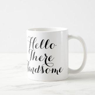 こんにちはそこに黒くか白い原稿とハンサム コーヒーマグカップ