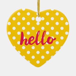 こんにちはパステル調の黄色い水玉模様の背景で セラミックオーナメント