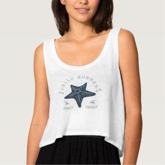 """""""こんにちは夏-ビーチ""""の穀物の上のTシャツ楽しんで下さい タンクトップ"""