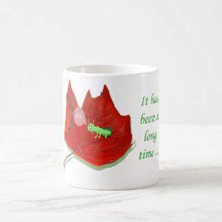こんにちは、緑の地虫および秋の葉 コーヒーマグカップ
