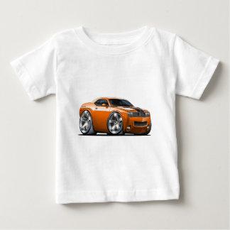 ごまかしの挑戦者のオレンジ車 ベビーTシャツ