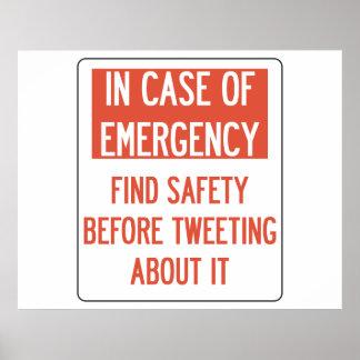 さえずるポスターの前の安全 ポスター